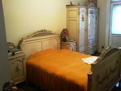 Múlt század eleji fehér faragott hálószoba garnitúra eladó