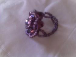 Lila gyöngy gyűrű