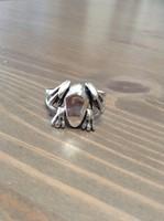 Kézműves ezüst béka gyűrű mozgatható lábakkal
