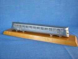 Fém vonat íróasztaldísz makett mozdony vasút