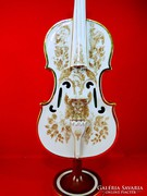 Szász Endre hegedű porcelánből