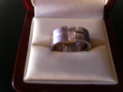 Acél gyűrű,fehér kővel