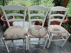 6 db régebbi étkezőbe való fehér fából készült szék