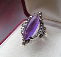 Régi ametiszt köves ezüst gyűrű markazit díszítéssel