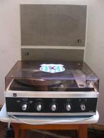 Retro Dual HS 26 stereo lemezjátszó + 2 db Dual hangfal