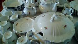 Zsolnay 6 személyes, hibátlan étkészlet, teáskészlet, kávéskészlet.