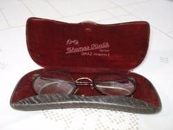 Antik szemüveg, tokjában