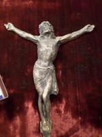 14,5 x 12 cm-es , patinás , fém Krisztus