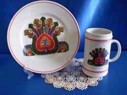 Hollóházi páva mintás porcelán tányér fali tál és sörös korsó