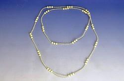0I795 Régi csontszerű gyöngysor 57 cm