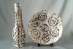 Retro kerámia váza és falitál